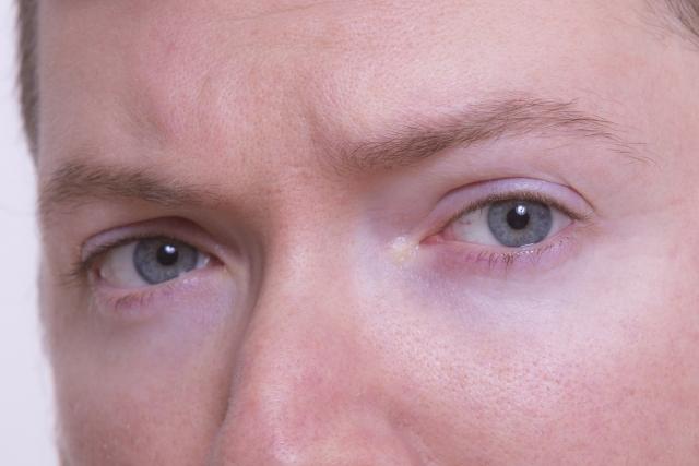 理想の眉毛の形はへの字?男性の眉はどんな形が良いの?