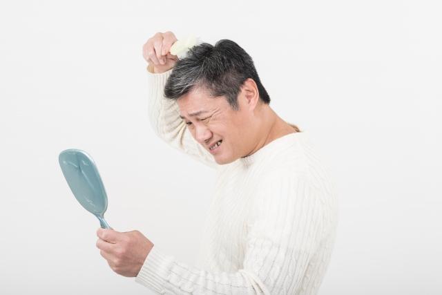 頭皮の皮脂や汚れが原因?ヘアブラシでフケの改善ができる?