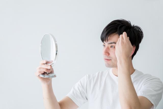 必見!汗で前髪がベタベタになってしまう原因と対策法