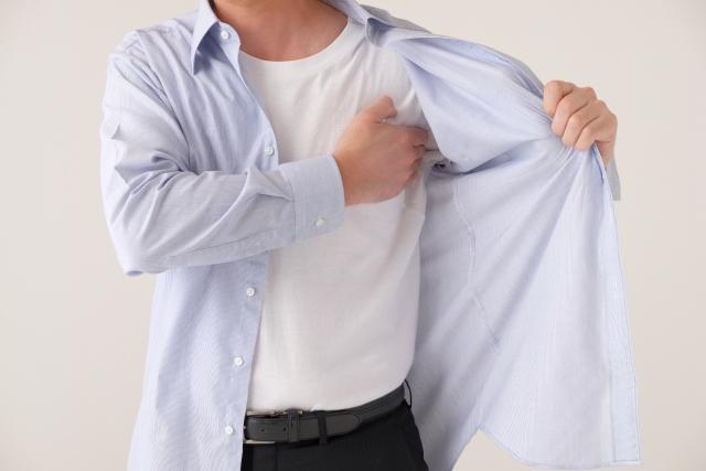 汗が原因じゃない!?服が臭い理由とは?対策法も伝授!