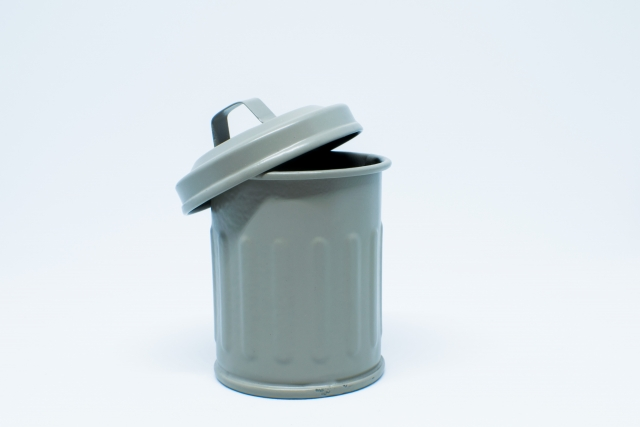 ゴミ箱のイヤな臭いを消したい方必見!効果的に洗う方法は?