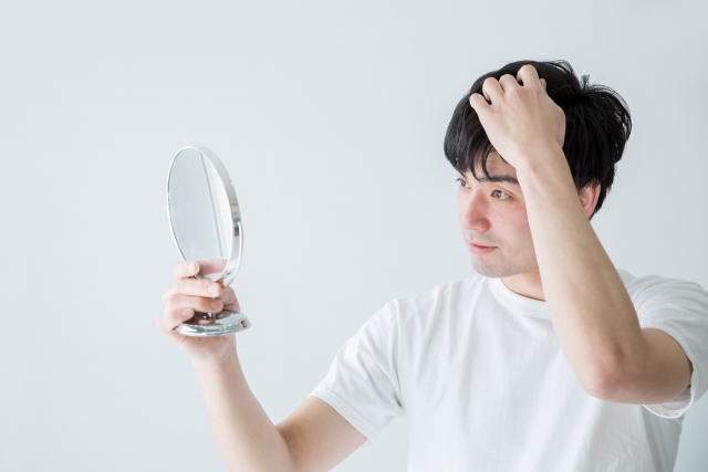 前髪や髪が剛毛・量が多い男性必見!それぞれの解消方法