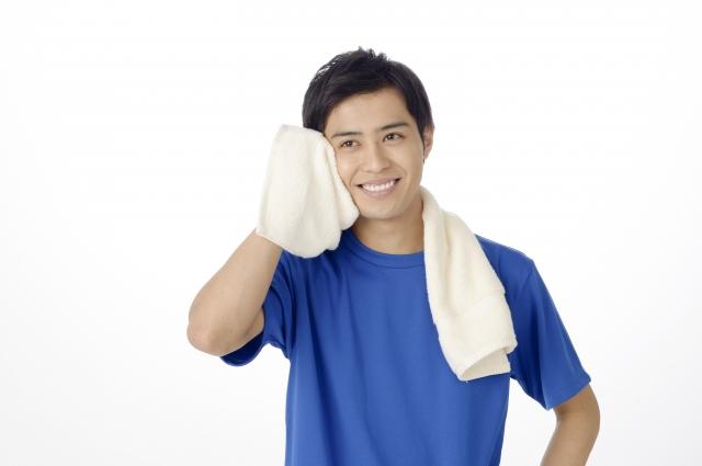 汗を拭くタオルは濡れた状態がベスト!?その理由とは