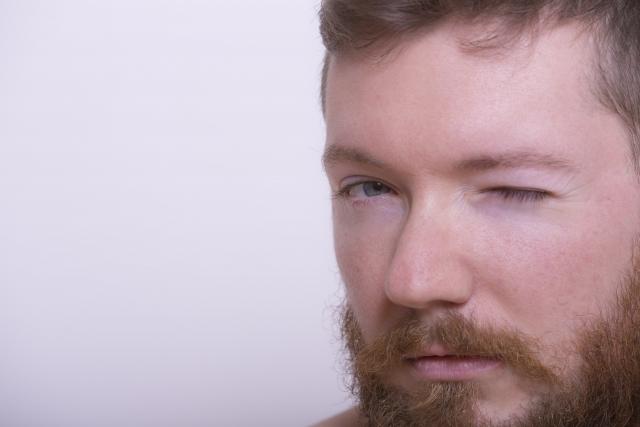 眉毛の山を消したい!自然に見える正しい眉毛の処理方法