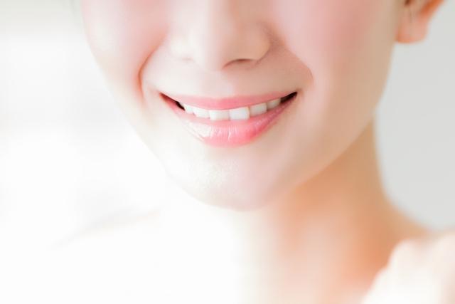 歯並びのガタガタは自力で治せる?矯正方法を紹介