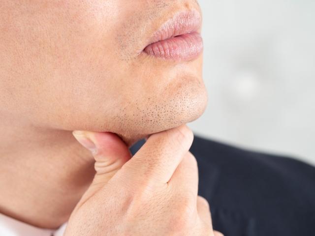 髭剃りが原因?!気になる肌荒れを治すには皮膚科が良い?
