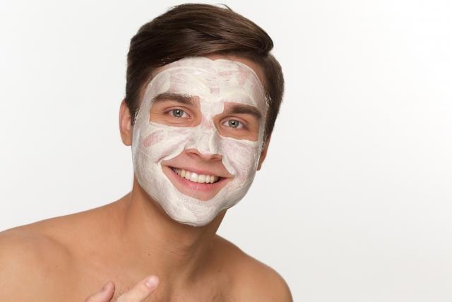 肌の古い角質や皮脂を取り除くには顔のパックがおすすめ!