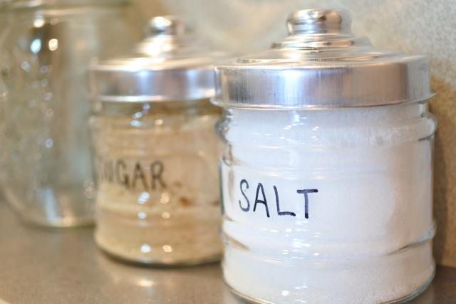 男性でも作れる手作りスクラブ!材料は塩でも砂糖でも!