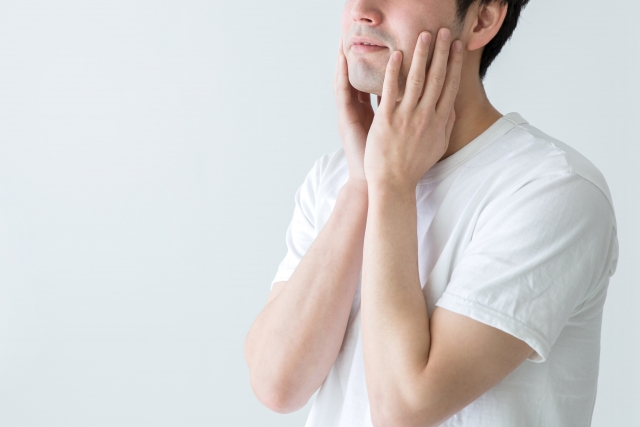 皮脂の酸化が原因?男性の気になる臭いや肌の老化を防ぐ方法