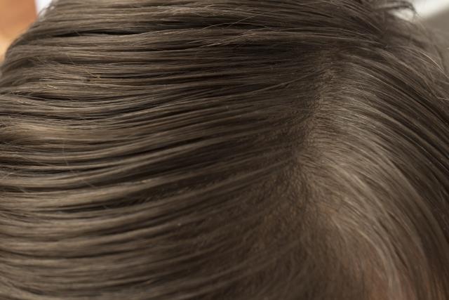皮脂が多いことでお悩みのあなたへ!簡単・頭皮の皮脂対策!