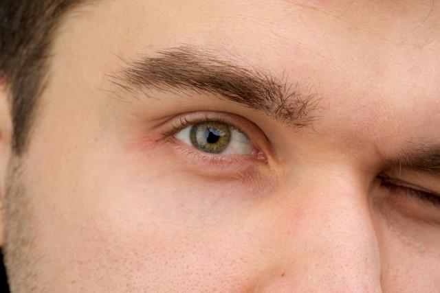 眉毛を整える!かっこいいメンズは眉毛の長さ&形がポイント