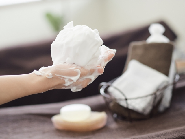 石鹸を使った洗顔のポイント!上手な泡立て方をご紹介