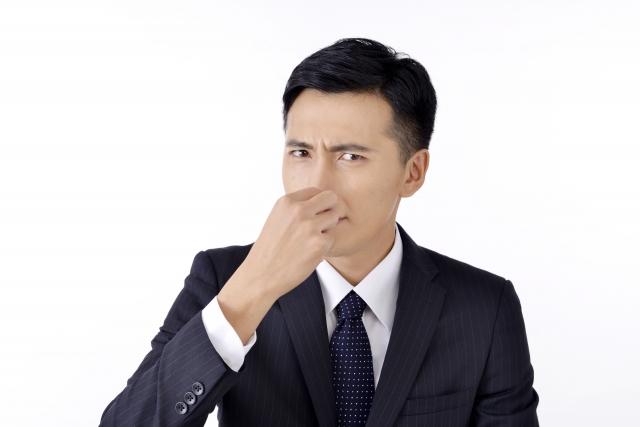 舌の磨きすぎは気になる口臭が悪化する?適切な舌磨きの仕方