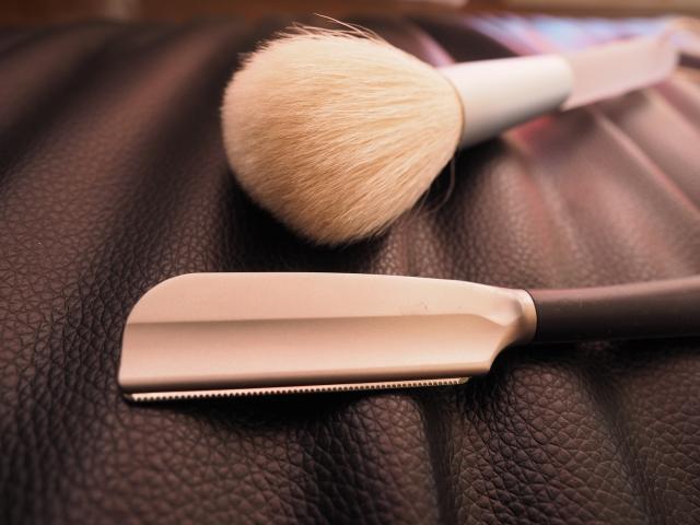 髭剃りアイテムのブラシやカミソリ、100均商品のおすすめ!