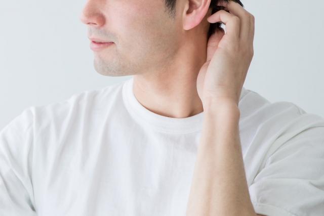 頭皮から汁が出て固まる!それ、脂漏性皮膚炎かも!?