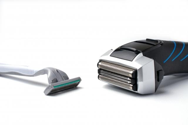 髭剃り必需品!T字カミソリと電気シェーバーどちらを選ぶ?