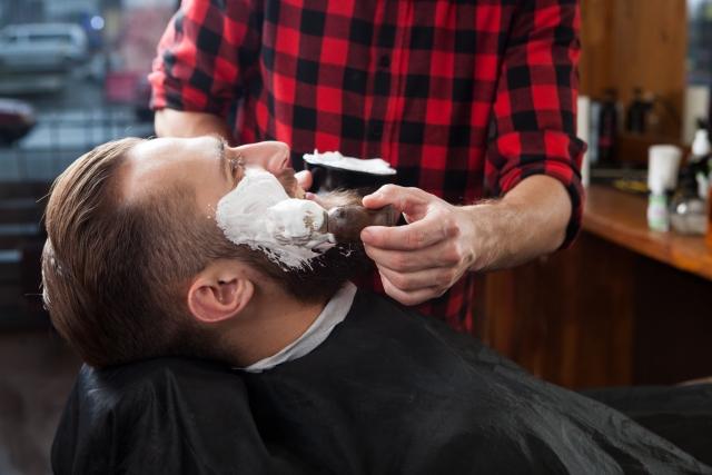 髭剃りが変化!床屋さんの技術とカミソリでより気持ち良く!