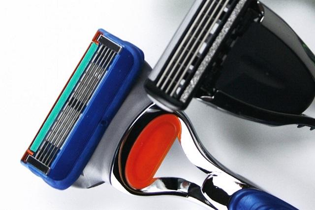 髭剃りには替刃式カミソリがおすすめ!ジレット製品をご紹介