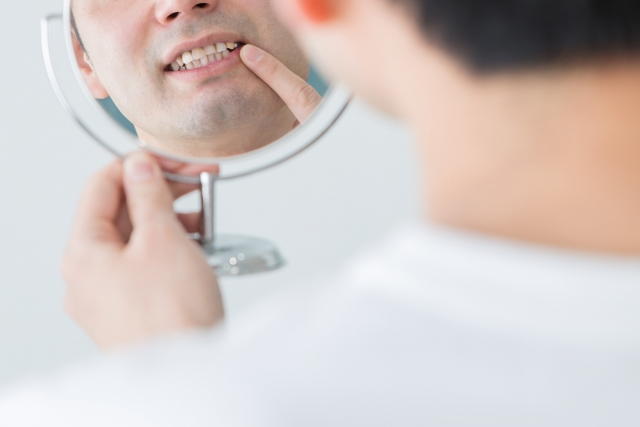 歯茎のマッサージしてますか?指を使った簡単な方法をご紹介