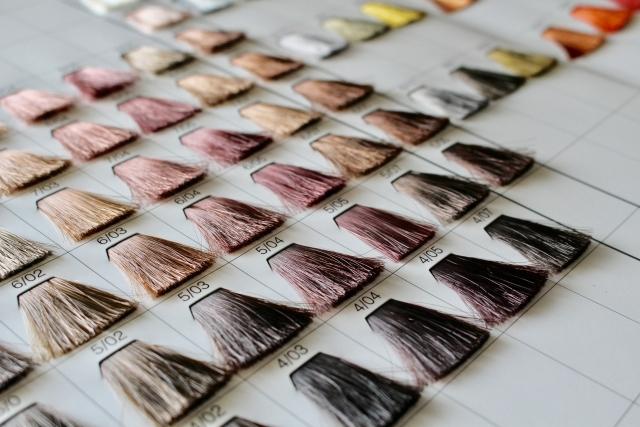 髪の毛を茶色にしたい!メンズの印象を変えるヘアカラーとは