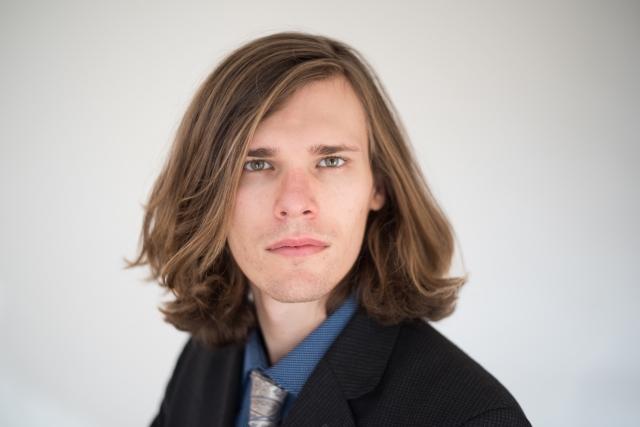 髪型にストレートボブはあり?男性40代に似合う髪型とは!