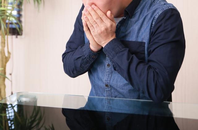 鼻毛を抜くと痛いのはなぜ!?正しい鼻毛処理の方法を教えて