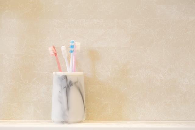使いやすい歯ブラシホルダーは100均で手に入れよう!