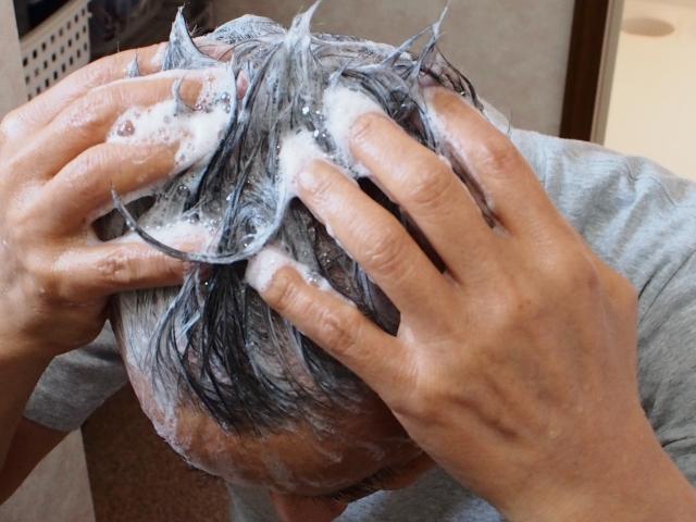 石鹸でシャンプーしよう!固形タイプより液体タイプが最適