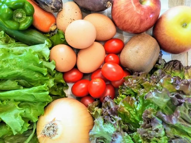健康的な髪の毛のためにタンパク質が豊富な食べ物を摂取!