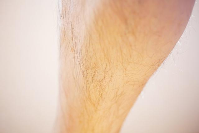 体毛が薄くなる原因はいったい何?生まれつき薄いの!?