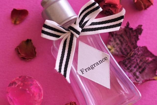 石鹸の香りの香水はプレゼントに最適!プチプラで見つけよう