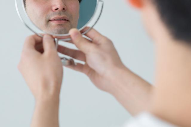 頬から生えてくる産毛の処理、すっきり処理してお悩み解決!