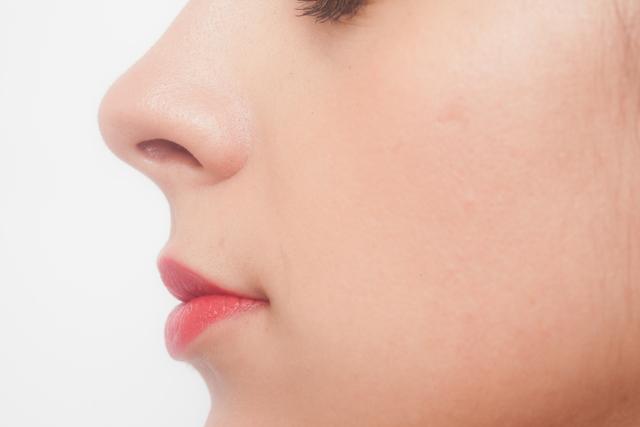 どんなに頑固な鼻毛でも、鼻毛ワックスゴッソで一発退治!